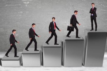 Как стать брокером для бинарных опционов как удачно торговать бинарными опционами